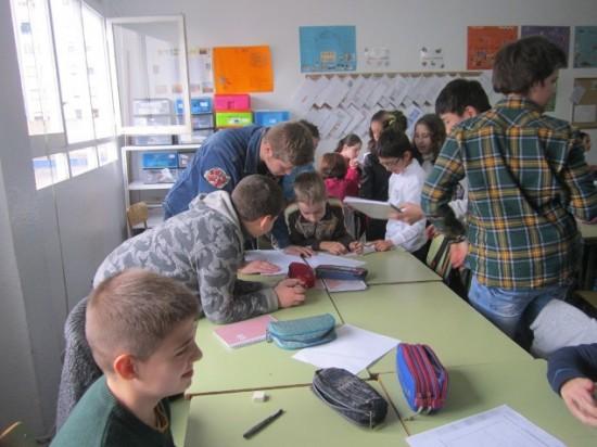 Alumnos de Voluntariado colaboran en Colegios