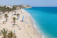 640px-Playa_Paraíso,_Villajoyosa,_España,_2014-07-03,_DD_05